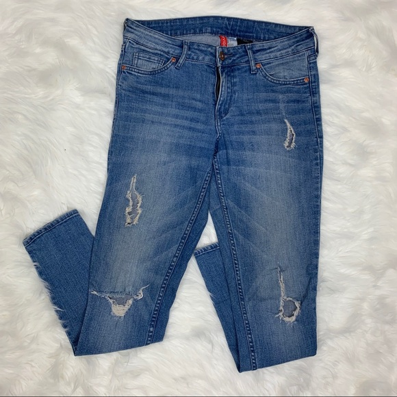 huge range of official shop world-wide free shipping H&M Divided Red Concept Distressed Jeans